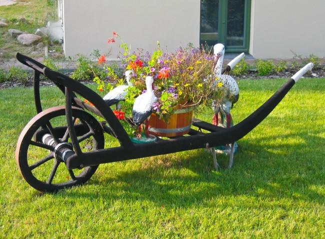 Wóz ozdoby w ogródku