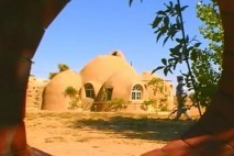 Dom z ziemi