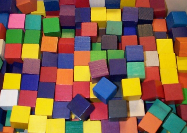 Drewniane, kolorowe klocki