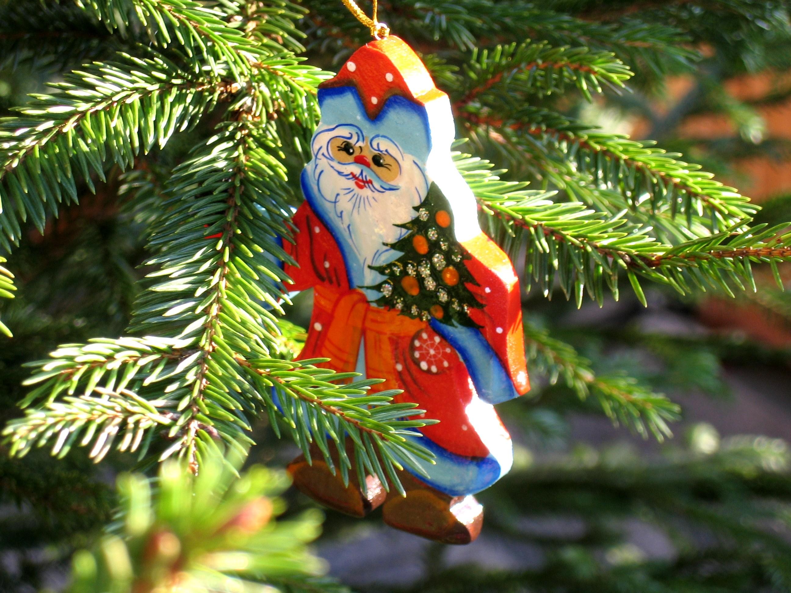 Mikołaj na choince