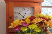 Zegar i kwiaty