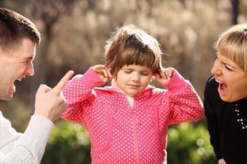 Kłótnia - rodzina w parku