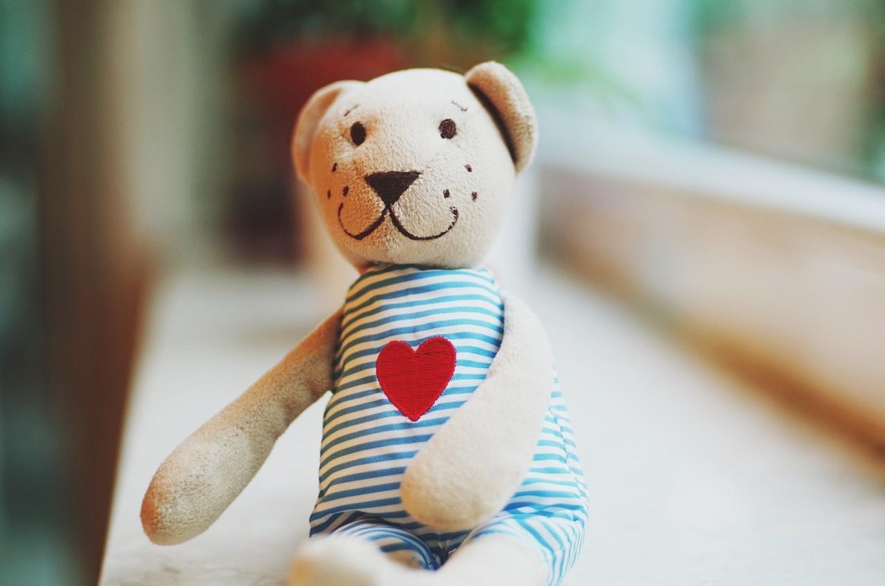 okazywanie dziecku miłości