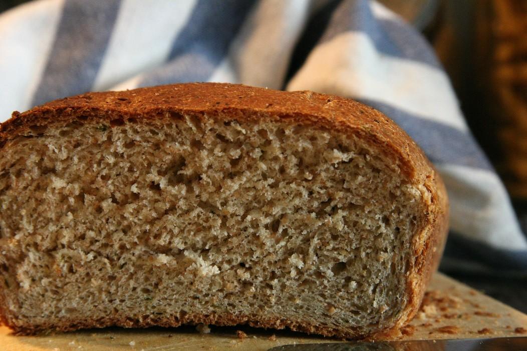 Domowy chleb - tradycyjna żywność