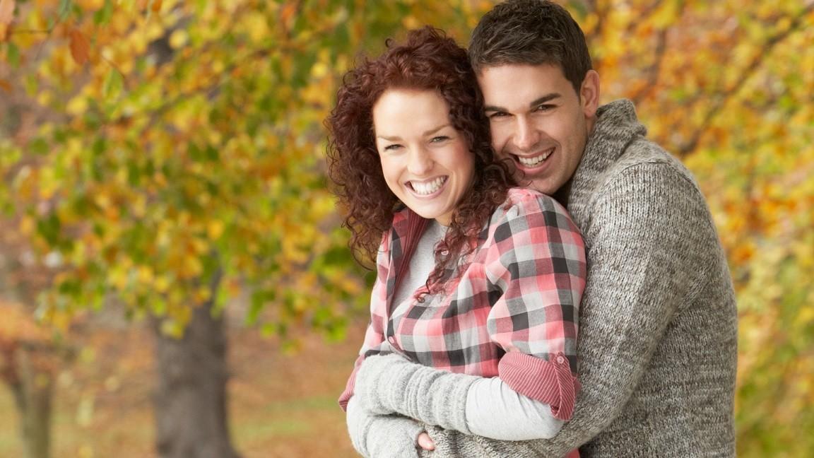 szczęśliwa para jesień